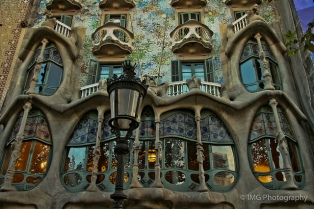 The balconies of Casa Batllo look like skulls.